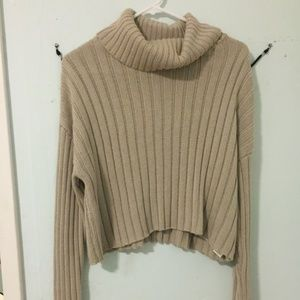 tan cropped turtleneck sweater size L